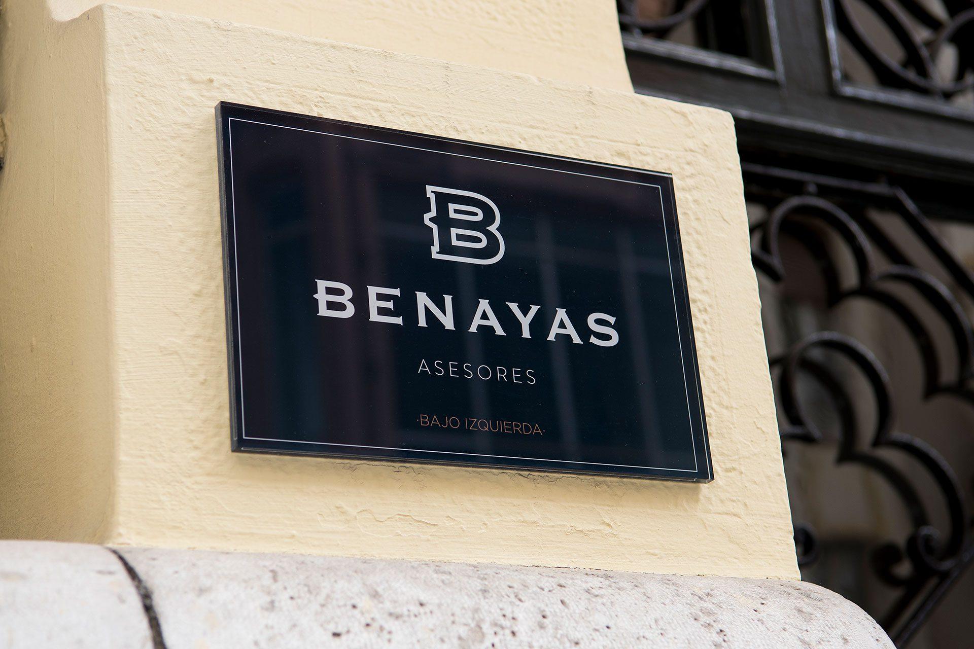 Placa Benayas Asesores